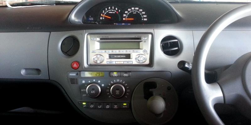 2004sienta02