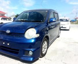 2004 Toyota Sienta