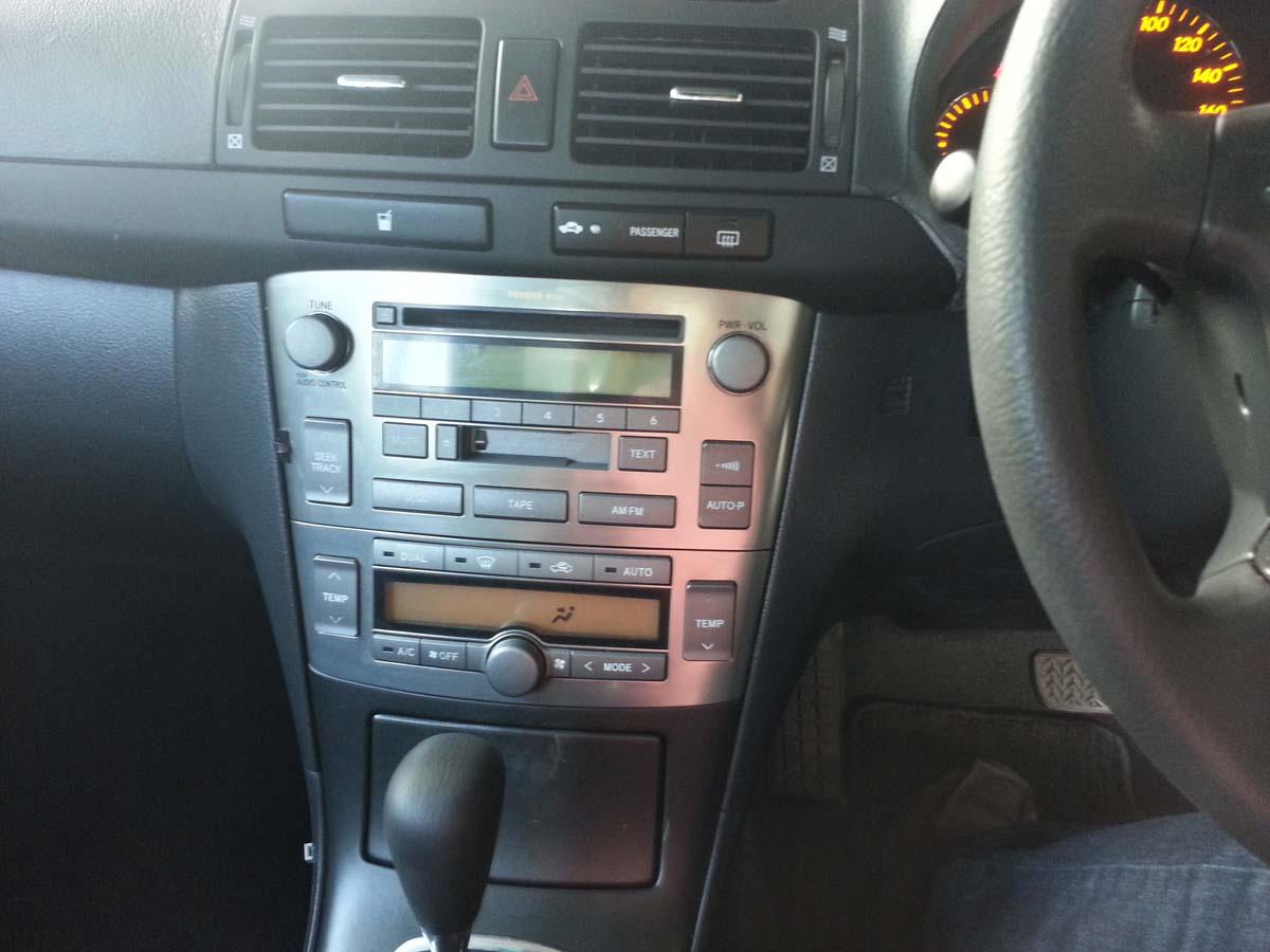 2005 Toyota Avensis