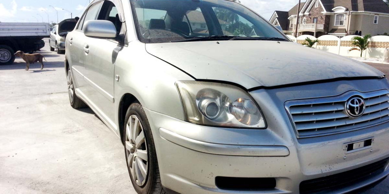 2005ToyotaAvensis05