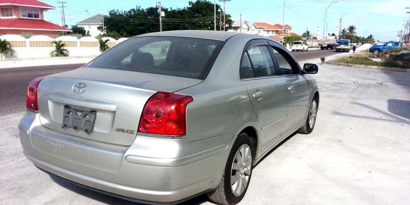 2005ToyotaAvensis10